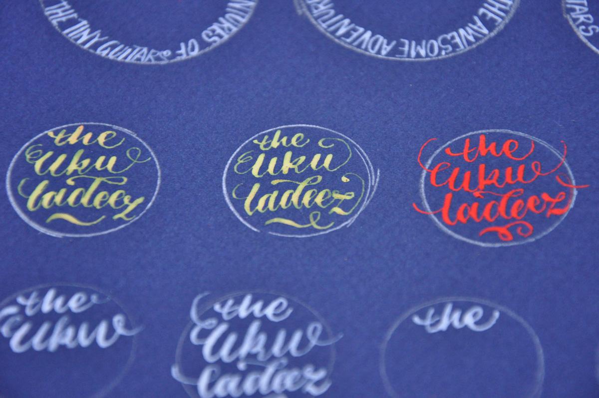 Kalligrafi – udkast til The Ukuladeez Badge 3